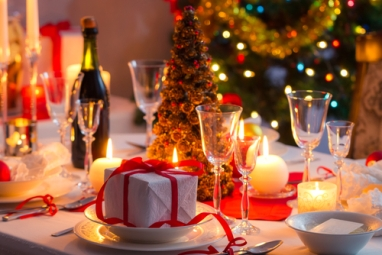 holiday-table-grove-154677023