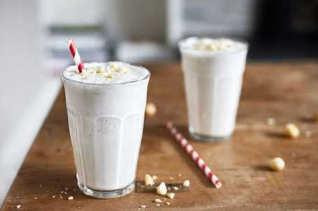 white_chocolate_macadamia_nut_shakeology_in_post_2